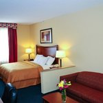 Comfort Suites Airport Photo