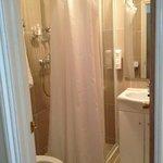 Il bagno.. Piccolo ma pulito e dotato di tutti i comfort
