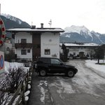 Haus tirolerland from road