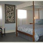 Penn Suite Bedroom with canopy Queen Bed