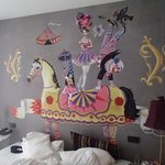 What circus motif?  We were told our room didn´t have any...!