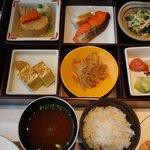 ピャチェーレ朝食:メインが和食のもの