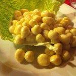 gnocchi con puzzone di Moena in foglia di verza