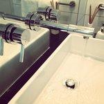 Very nice bathroom vanity unit