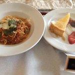 spaghetti bolognese and keylime tart