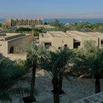 Utsikt över Döda Havet och Israel