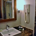 bathroom at room no 1512