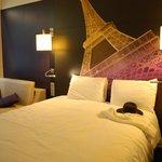 Tripple room met knipoog nr de Eiffeltoren