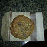 チェックイン時にもらったチョコチップクッキー