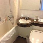 バスルーム バスタブは結構広い。