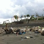 so...this is the beach in Pandawa V&S! max trash!