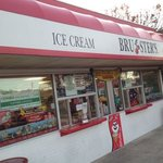 Photo de Bruster's Ice Cream