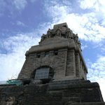 Das Denkmal ist 91 Meter hoch