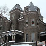 A winter day at Reynolds Mansion