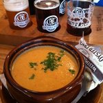 Passable but gritty cheddar ale soup