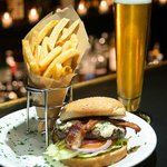 Clipper Burger, Beer and Fries