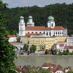Passauer Dom von der anderen Inn-Seite