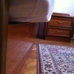 Matratze war zu groß für das Bettgestell, man lag praktisch schief im Bett