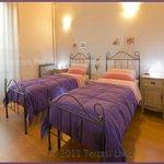 camera viola - doppia