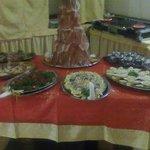 presentazione tavolo antipasti cenone di capodanno