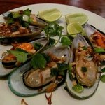 Broiled Green Mussels