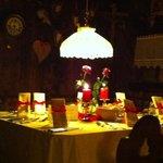 """il tavolo del cenone di capodanno nella stupenda """"cantina ladina"""""""