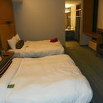 Large Double Queen Room