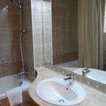 Super clean bathroom