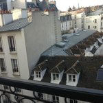 view from room (Paris Paradis)