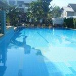 Hotel pool2