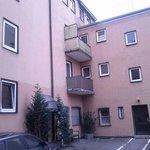 palazzina di fronte all'hotel dove era ubicata la nostra stanza