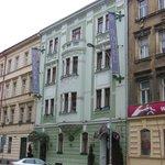 La façade pastel.