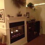 The Golden Eye Suite Fireplace/Entertainment Center