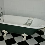 clawfoot tub  Knockdolian room