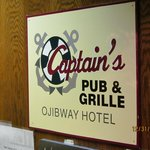 Captain's Pub & Grille - inside the hotel.