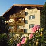 Foto de Ferienwohnungen Tiroler Alpenhof