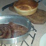 Baari meat, 'pot' bread and gin and tonic.