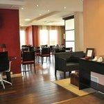 Park&Suites Prestige Divonne les Bains - Breakfast