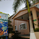 Grand Cayman's Hotel Resort for Divers, by Divers