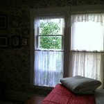 View w/antique family photos on Bradbury wallpaper