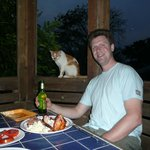 Dining al fresco (with el gato) @ Mariposa balcony