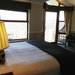 cliff view room