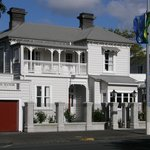 Front of Ponsonby Manor