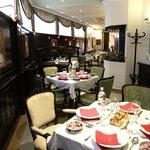 Queens Astoria Restaurant