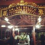 Rumah Makan Sri Melayu