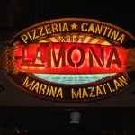 La Mona Marina Logo, se ve espectacular.