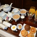 Great in-suite continental breakfast with delicious croissants!
