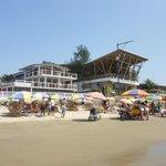 Toma desde la Playa hacia el Hotel y Disco contigua