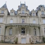 Front of Chateau Bouvet Ludabay