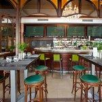 La Cremaillere restaurant hall